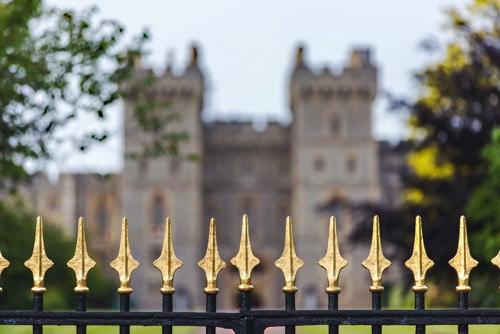 城とフェンス