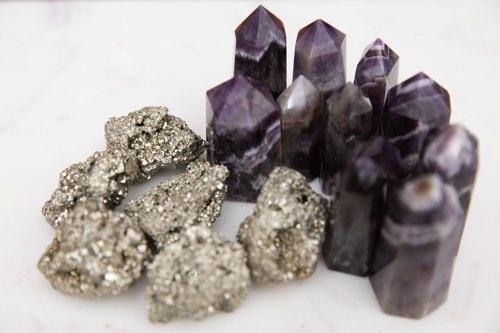 アメジストや鉱物